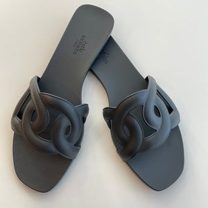 HERMÈS Aloha Sandals Size 39